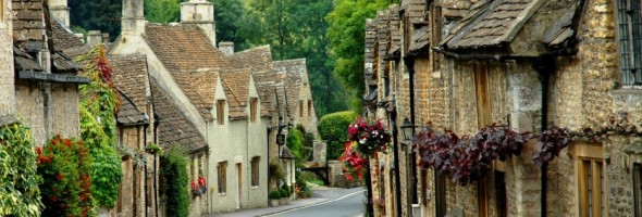 Cotswalds-English-country-lane