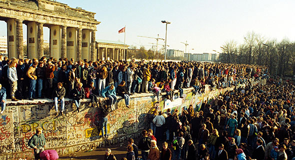 berlinwallfall2